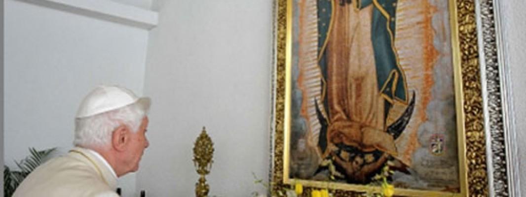 La verdadera devoción a María nos acerca siempre a Jesús, recuerda Benedicto XVI