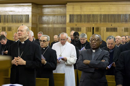 papa francisco en retiro espiritual