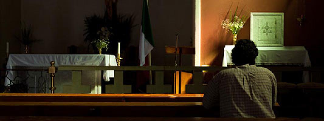 necesidad de la oracion http://unrosarioporchile.cl un rosario por chile