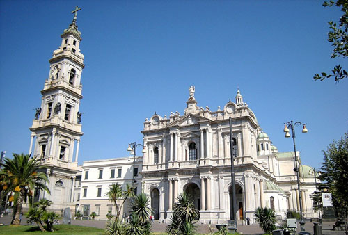 Santuario de la Virgen del Rosario - Pompeya, Italia