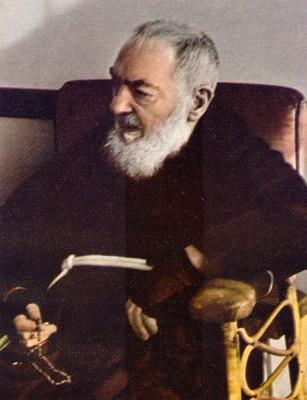 Padre Pío unrosarioporchile.cl