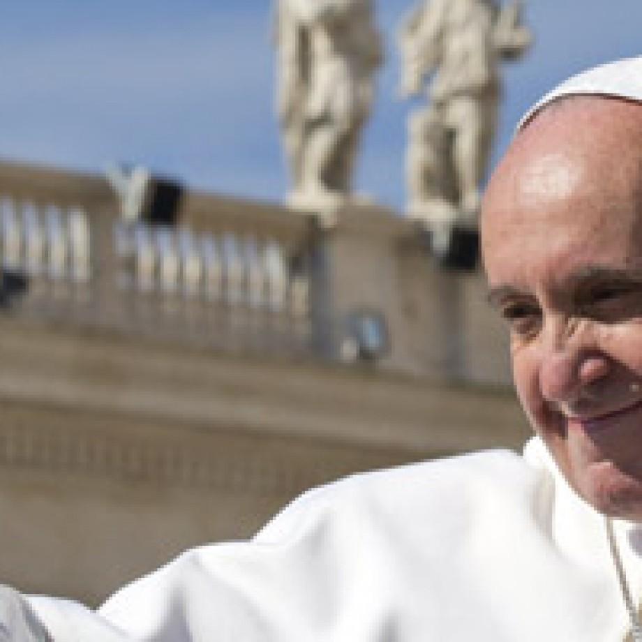 """Papa Francisco lo pide: """"En el Mes de María recemos el Santo Rosario"""""""