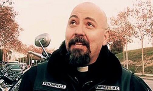 El sacerdote Juan Molina adquirió la devoción al Rosario ¡concursando en Gran Hermano!