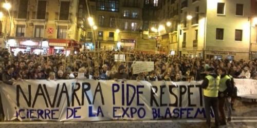 Vista de una de las protestas surgidas en Pamplona contra la exposición blasfema