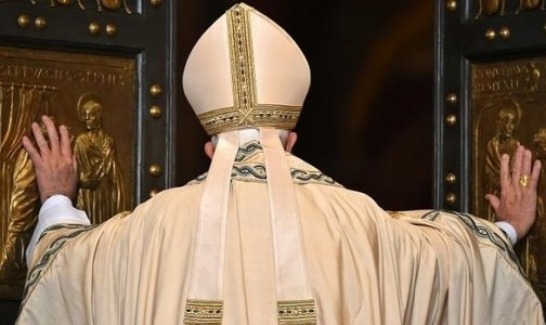 """Destacando el Rosario, Papa Francisco entrega claves para """"revolución de la ternura"""""""