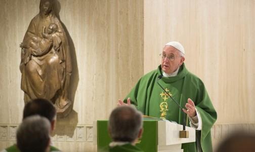 """Papa Francisco y la oración: """"Si el obispo no reza el pueblo de Dios sufre"""""""