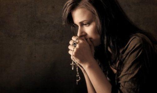Meditar el Rosario fue su gran consuelo tras sufrir un aborto espontáneo