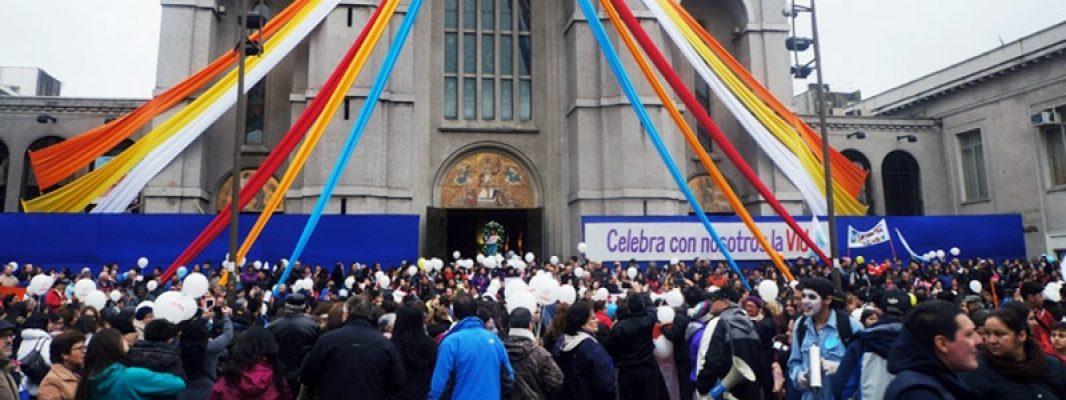 Marchas por la vida en Concepción y Los Ángeles se tomaron el sur de Chile