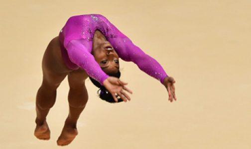 Atletas con Fe (II): Simone Biles, reina de la gimnasia olímpica que reza el rosario y va a misa
