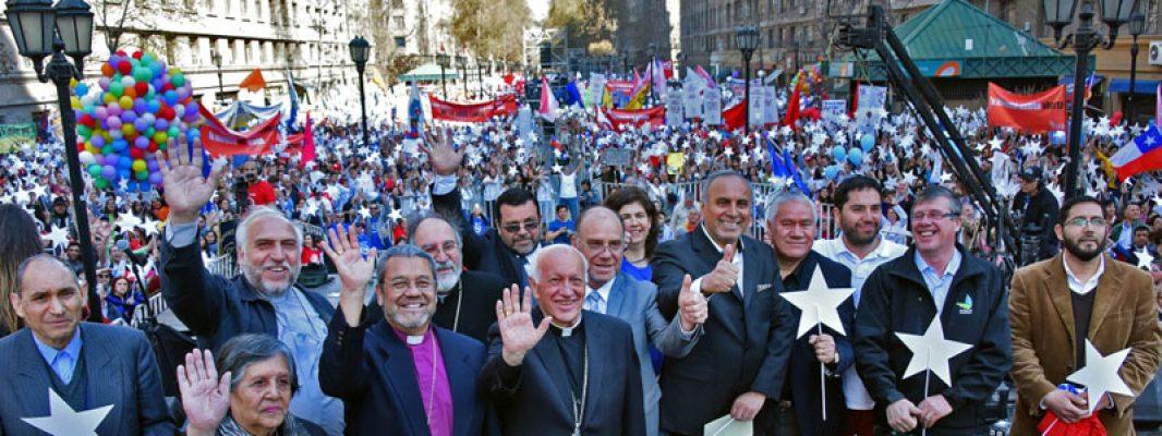 Más de 100 mil personas se reúnen en Paseo Bulnes en Celebración por la Vida