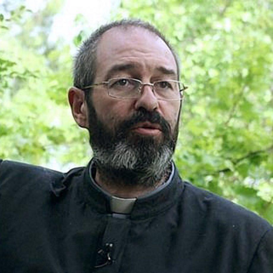 [Video] P. Luis Montes, misionero en Irak, cuenta cómo el Rosario sostiene a los cristianos