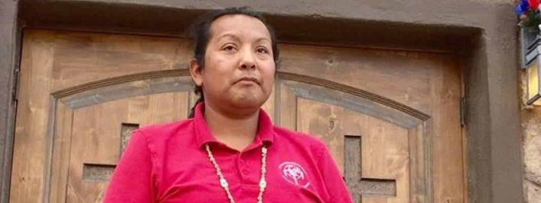 Su madrastra rompió su rosario y no la dejaba ir a misa, pero ella sabía que la Virgen la escuchaba
