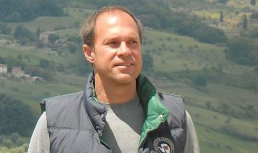 Confiándose a la Virgen con el rosario, el director de cine Marcelo Torcida logró paz y salud