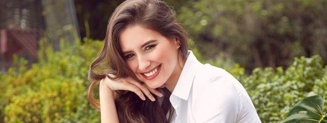 Taliana Vargas, Miss Colombia, volvió a Dios y a la Virgen con un rosario especial de tres minutos
