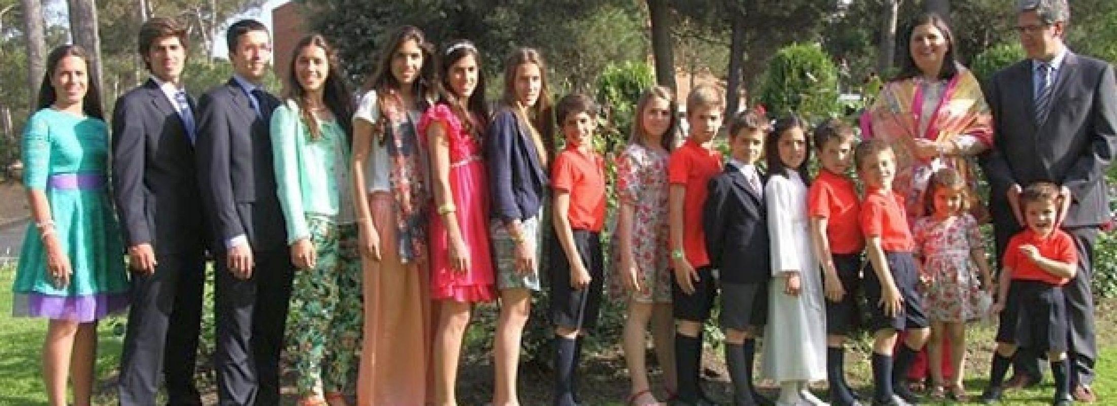 Rosario y devoción mariana viva: así salió adelante Rosa Pich, madre de 18 hijos