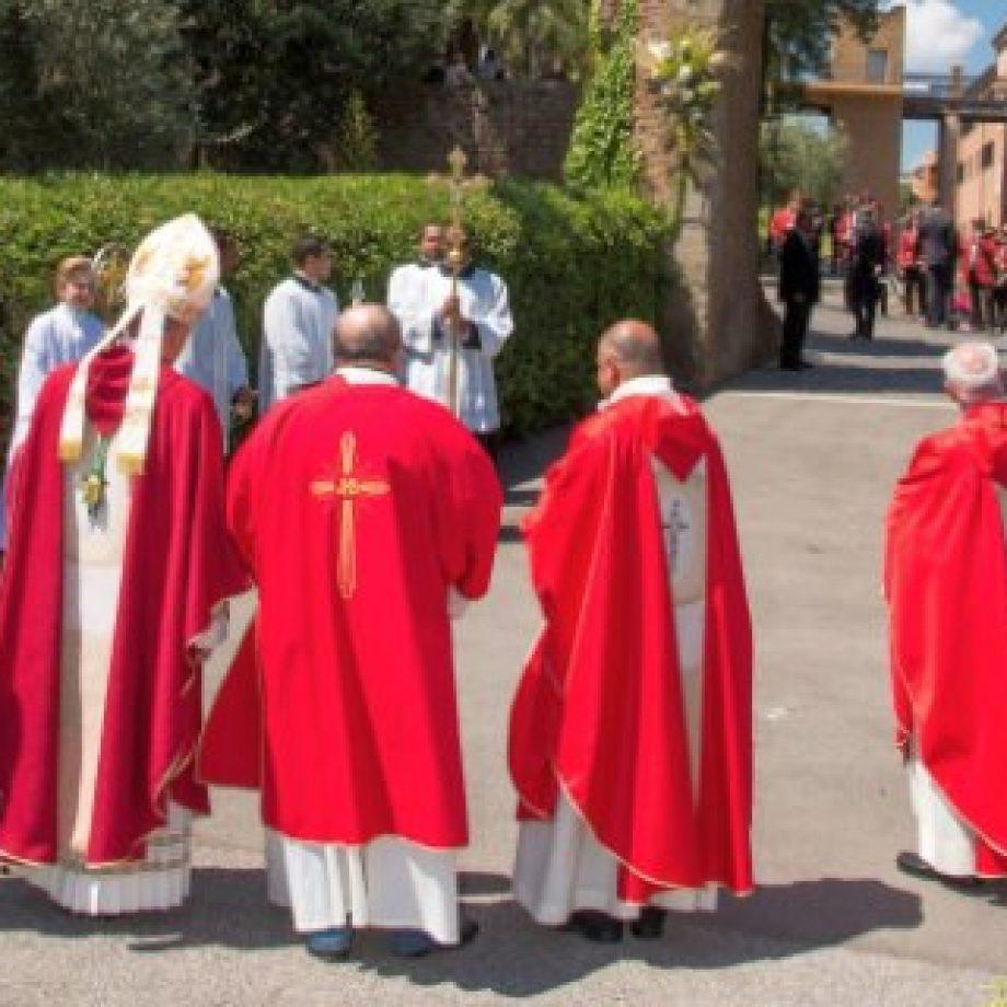 Durante Mayo, rezar el Rosario por la paz en Siria y el mundo
