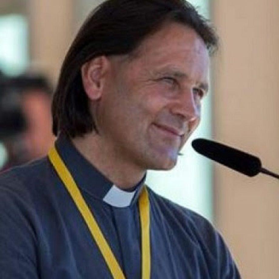 A través del Rosario y una peregrinación Ciril Cus halló la paz, pudo perdonar y hoy es sacerdote