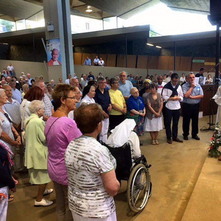 Bélgica confía también a un Rosario en las Fronteras el resurgir de la fe