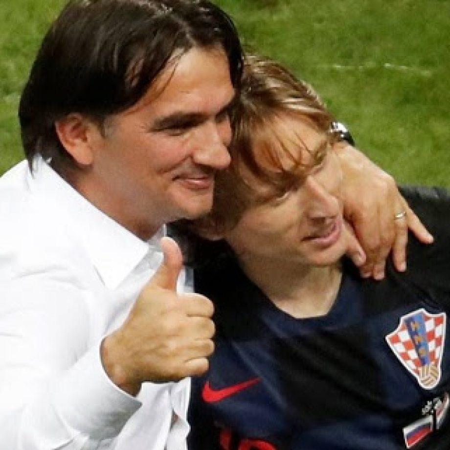 Rosario en mano, el entrenador de Croacia sigue haciendo historia