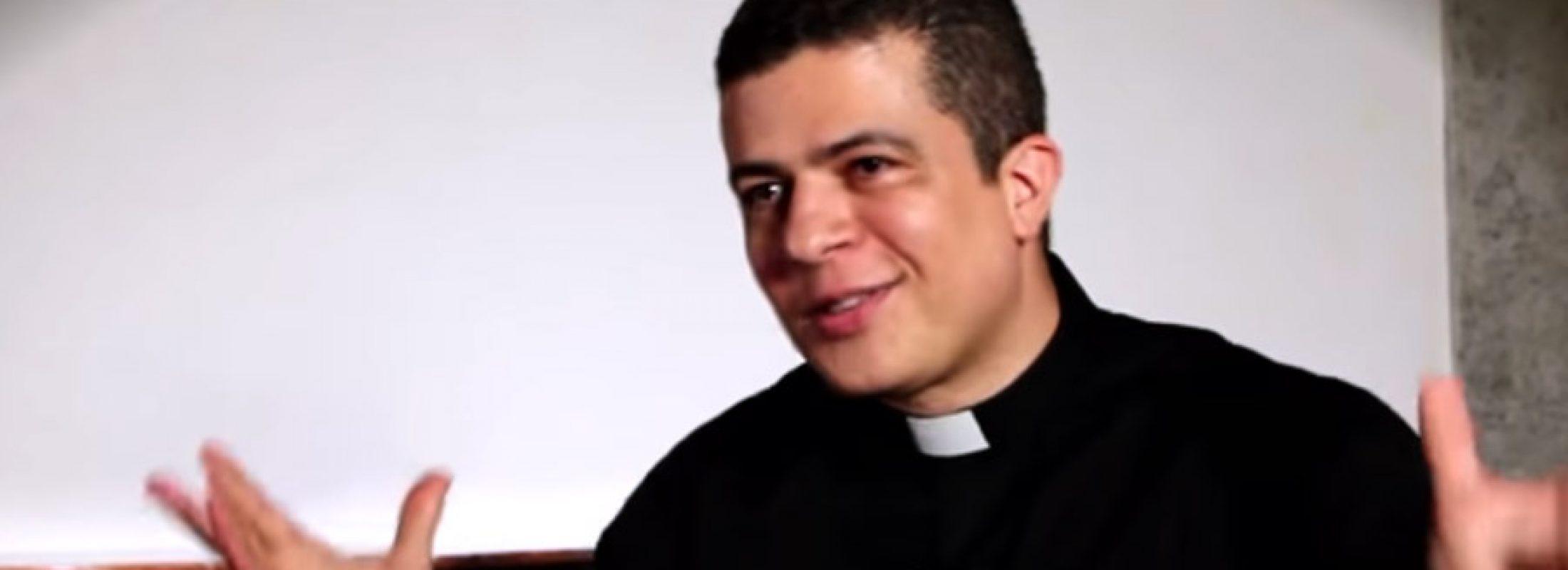 """[VIDEO] Diácono Pablo Henrique de Faria: """"Las personas que rezan el Rosario todos los días tienen una visión equilibrada de la Fe"""""""