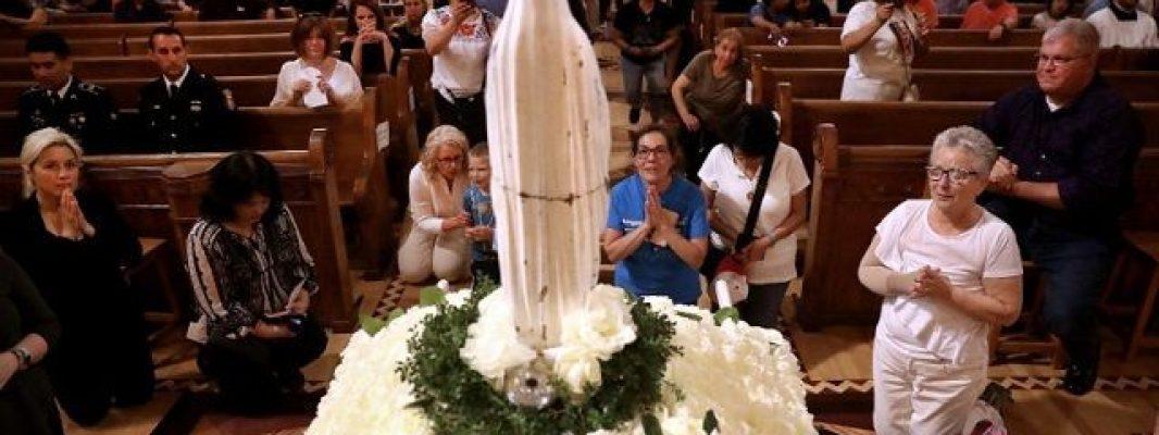 La «Virgen Quebrada» que fue rescata de la basura y ahora es foco de peregrinación
