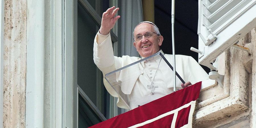 """Papa Francisco: """"Cada vez que rezamos el Rosario damos un paso adelante a la meta"""""""